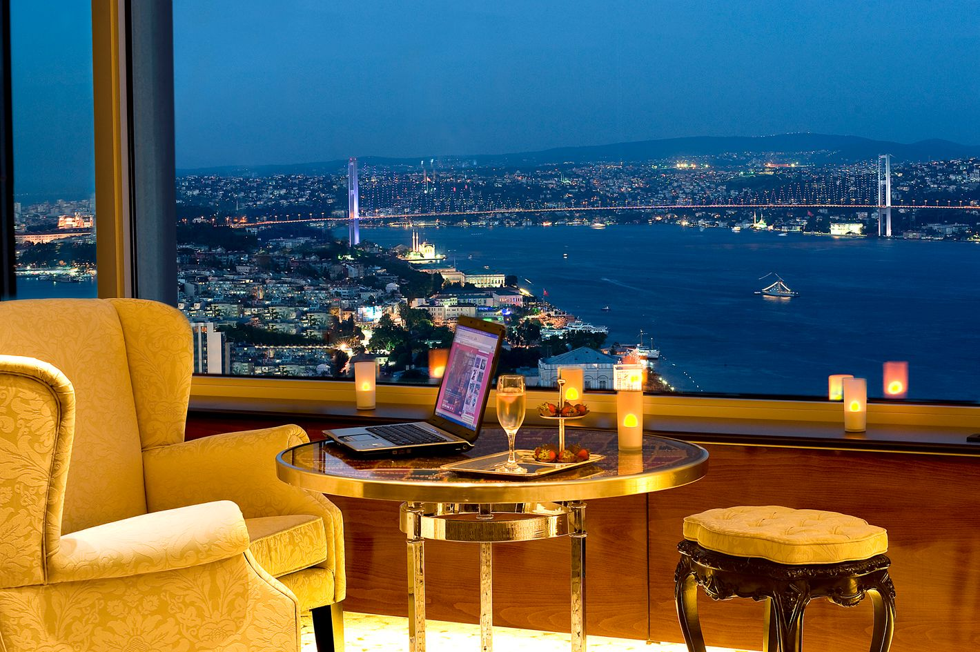 The marmara taksim hotel booking sultan of istanbul for Resevation hotel