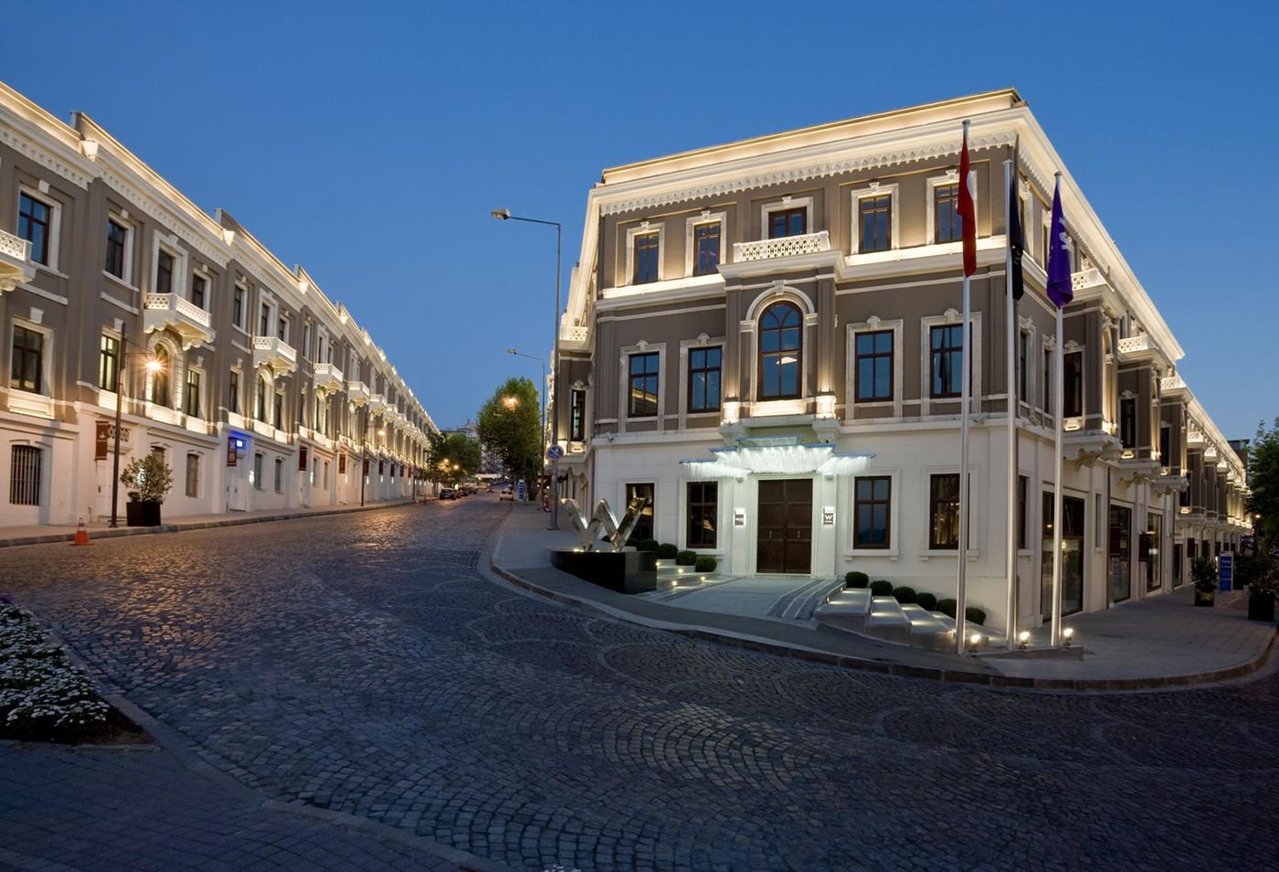 W istanbul hotel booking sultan of istanbul booking for Booking hotel